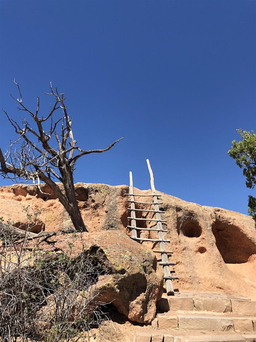 tsankawi ruins trail ladder
